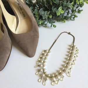 Pearl & Dangling Crystal Necklace - Short- gold